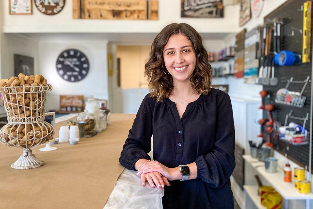 Isabel Islas - Design Specialist