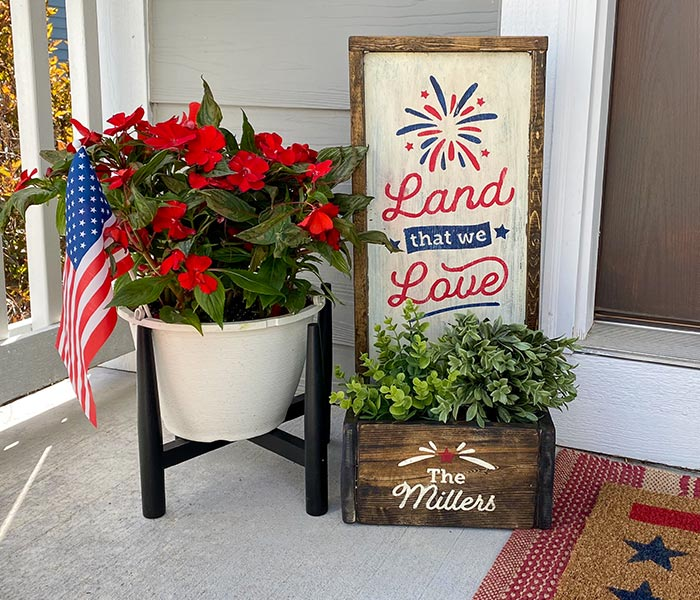 Land That We Love Small Planter