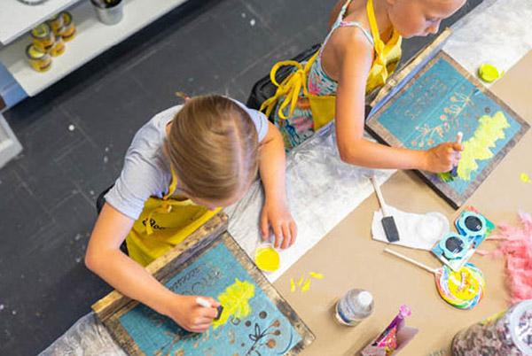Kids Painting at Workshop